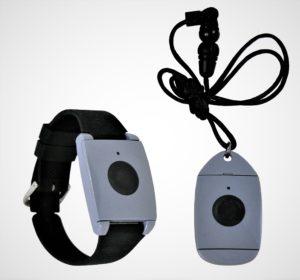 Accessory_pendant-and-wristband